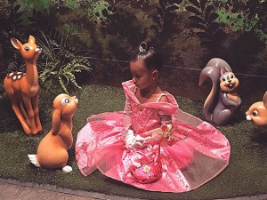 North West comemora aniversário de 3 anos na Disney