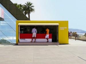 Pantone Café abre em Mônaco com comes e bebes combinados a cartela de cores