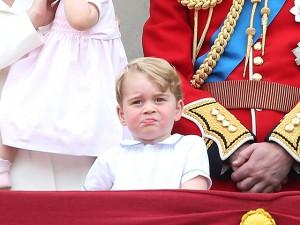Famoso por suas caras e bocas, príncipe George chama a atenção