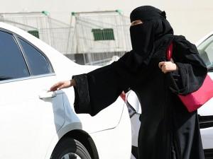 Fundo da Arábia Saudita, onde mulheres não dirigem, investe no Uber