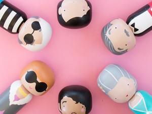 Artista transforma ícones pop em bonecas minimalistas de estilo japonês