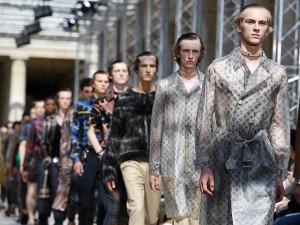 Os melhores looks e os cliques das celebs no desfile masculino da Louis Vuitton