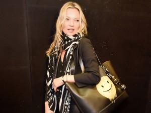 Convidada de honra: Kate Moss ganhou bolsa no desfile da Coach