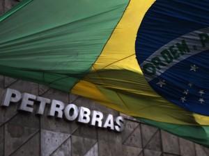 Apesar do escândalo, Luis Stuhlberger investe alto na Petrobras