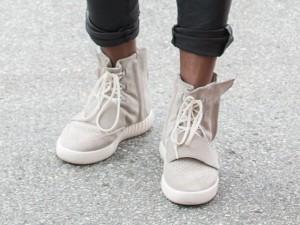 Segundo modelo da colaboração de Kanye West com a Adidas Originals desembarca por aqui