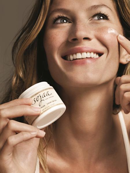 Gisele lança o Sejaa Pure Skincare  ||  Crédito: Divulgação