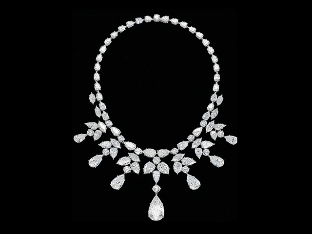 Brilha o quanto vale  os top 10 colares mais caros do mundo – Glamurama d45b7cd548