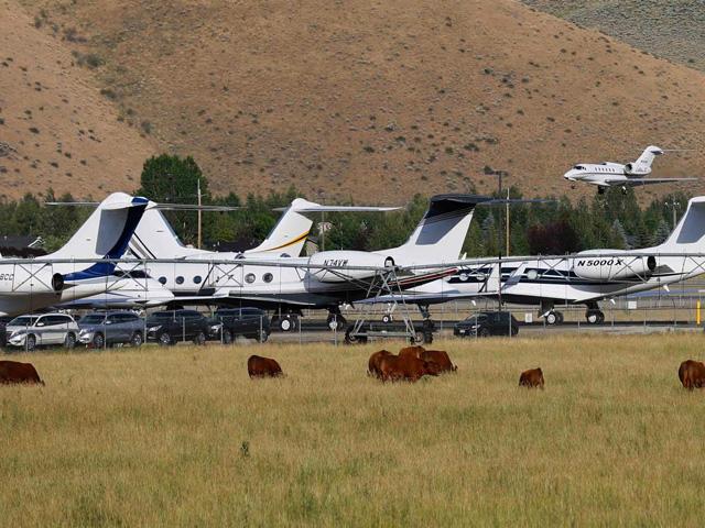 O pequeno aeroporto de Sun Valey: lotação máxima!