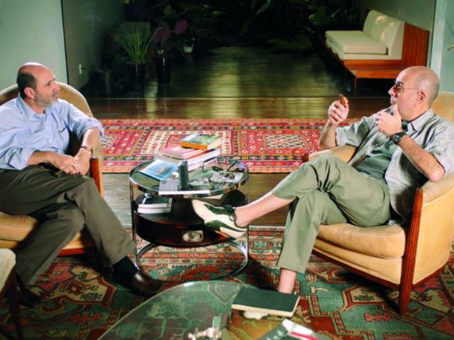 O arquiteto Isay WeInfeld e Héctor Babenco || Créditos: Divulgação