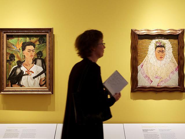 Um dos autorretratos de Frida Kahlo exibidos no Instituto Tomie Ohtake || Crédito: Divulgação