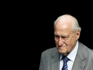 Estado de saúde de João Havelange, que fez 100 anos, preocupa família