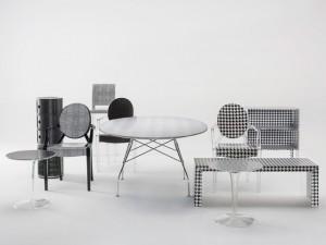 Lá em Casa: estampas têxteis nos móveis Kartell por Lapo Elkann