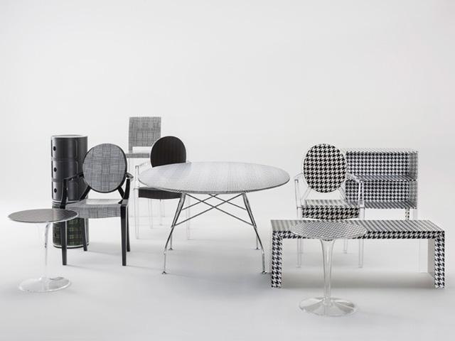 Lapo Elkann levou os tecidos das roupas para a superfície dos móveis na sua coleção com a Kartell  ||  Créditos: Reprodução