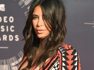 Aqui, dicas preciosas para conquistar o cabelão de Kim Kardashian