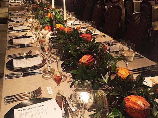 Hermès armou jantar especial para comemorar a abertura da primeira loja da marca no Rio de Janeiro!  ||  Crédito: Reprodução / Instagram