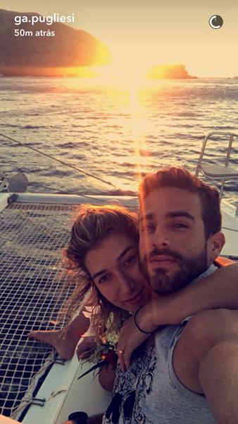 Gabriela Pugliesi e Erasmo Viana ficam noivos durante passeio de barco em Santorini  || Créditos: Reprodução Snapchat