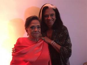 Bethy Lagardère arma festão em BH pelos 90 anos de sua mãe, D. Nair