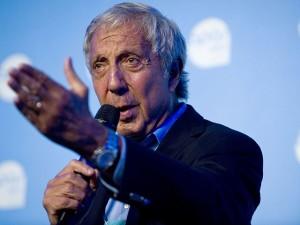 Abílio Diniz diz que crise no Brasil cria oportunidades para investidores