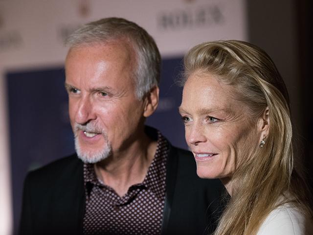 James Cameron e Suzy Amis Cameron Dave Kotinsky/Getty Images