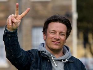 Dono de dois restaurantes em SP, chef Jamie Oliver visita estado pela 1ª vez