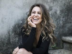 Roberta Sá arma show no Uruguai e participa de prêmio de cinema por lá