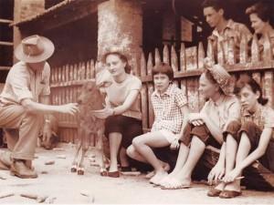 Rita Lee mostra foto de infância na qual rock dá lugar ao sertanejo