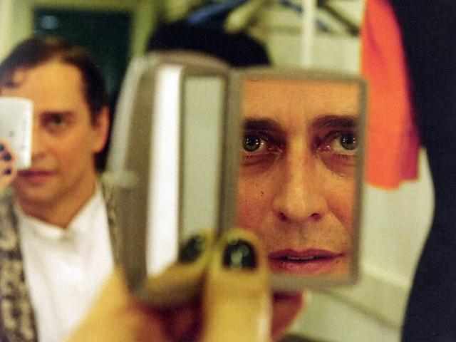 """O ator Marcello Antony nos bastidores da peça """"Vestido de Noiva"""", em 2009"""