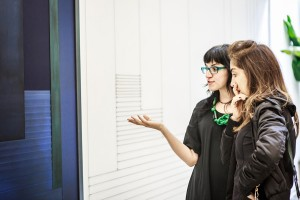 """Abertura da exposição """"Labirinto Sintrópico"""", de Janaina Mello Landini, na Zipper Galeria"""