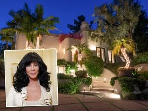 Mansão construída por Cher em Beverly Hills está à venda por US$ 85 milhões
