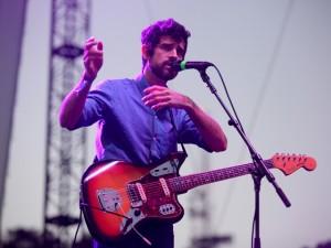 Devendra Banhart lança single melancólico sobre um certo sábado à noite…