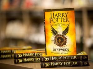 Novo Harry Potter bate recorde de vendas nos EUA e Reino Unido