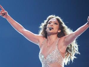 Jennifer Lopez desbanca Britney Spears e quebra record de bilheteria