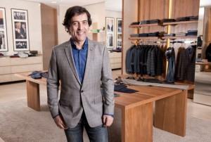 Ricardo Almeida faz palestra sobre alfaiataria masculina na Livraria da Vila