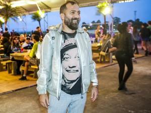 Alberto Hiar quebra paradigmas com top sertanejos no desfile da Cavalera