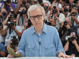 Trecho da primeira websérie de Woody Allen cai na web. Play!