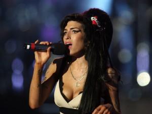 Fundação Amy Winehouse inaugura centro de reabilitação para mulheres