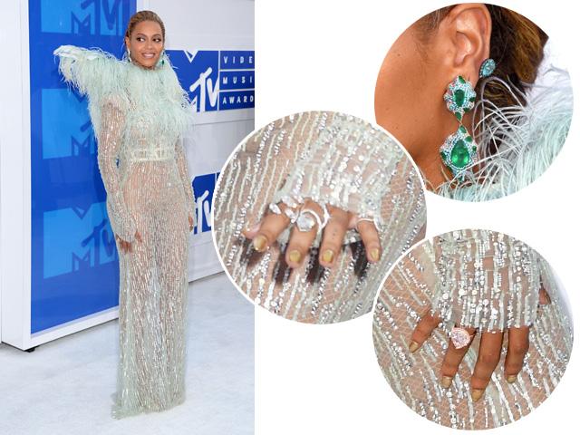 Detalhes do look e joias poderosas usadas por Beyoncé no VMA 2016    Créditos: Getty Images
