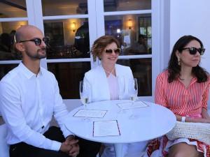 Débora Bloch em almoço com sommelier da Air France no Rio