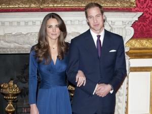 Vestido usado por Kate Middleton em seu noivado volta às prateleiras