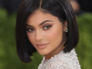 Com 19 aninhos, o furacão Kylie Jenner compra sua terceira mansão