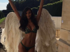 Brasileira Lais Ribeiro se une a outras Angels no backstage de campanha da VS