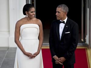 Michelle Obama veste estilista queridinho de Lady Gaga em jantar na Casa Branca