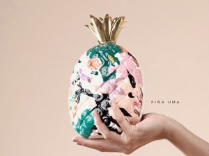 Desejo do Dia: a clutch de abacaxi com toque artsy da label filipina Aranáz
