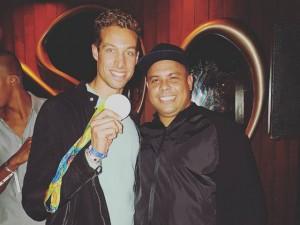 """Medalhista belga tira selfie com Ronaldo e brinca: """"Ele queria tirar uma foto comigo"""""""