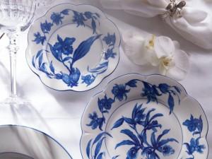 Orquídeas são tema de nova linha de porcelanas e perfumaria Tania Bulhões