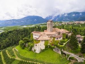 Castelo medieval da mesma família há 650 anos vai a leilão na Itália