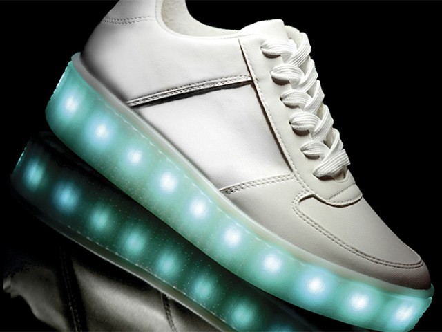 00cb3b97a32221 Usar e brilhar: os tênis luminosos da delegação britânica nas ...