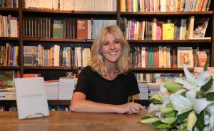 """Claudia Sehbe e seu primeiro livro """"Somos Instantes"""" na Livraria da Travessa no Rio"""
