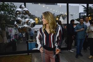 AMARO celebra abertura de nona loja com atividades culturais e nova coleção