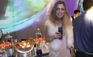 Fabiana Justus comemorou 30 anos com festa que lembrou a década de 80